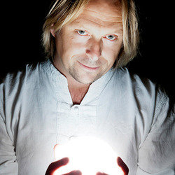 Tom Binns is Ian D Montfort: Psychic Fayre – 4****