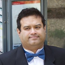 Paul Sinha: Postcards from the Z list 5*****