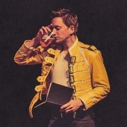 John Robins – The Darkness of Robins 4****