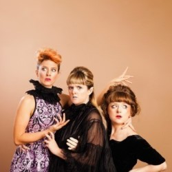 The Travelling Sisters: – Toupé 5****