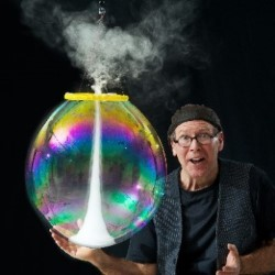 The Amazing Bubble Man – 4****