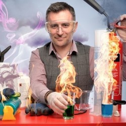 Mark Thompson's Spectacular Science Show 5*****