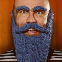 Olaf Falafel Presents Knitting With Maracas 3***